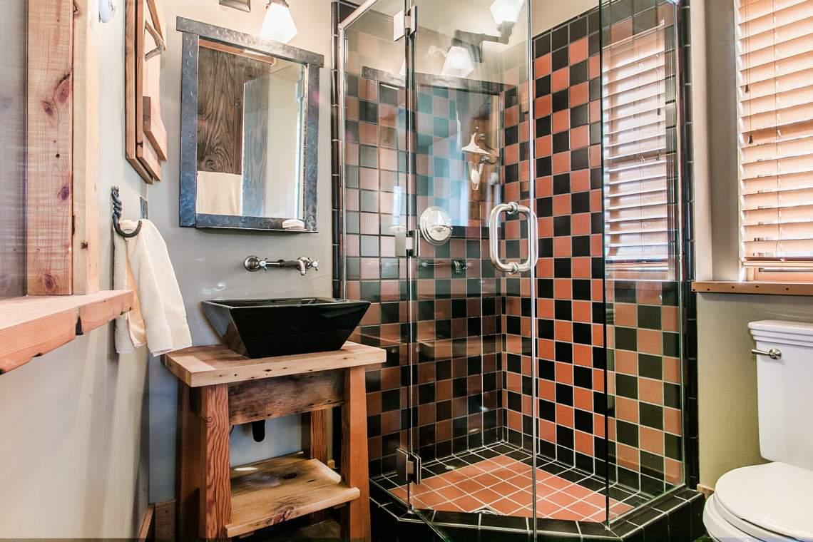 Bathroom-Three_1800x1200_2150940