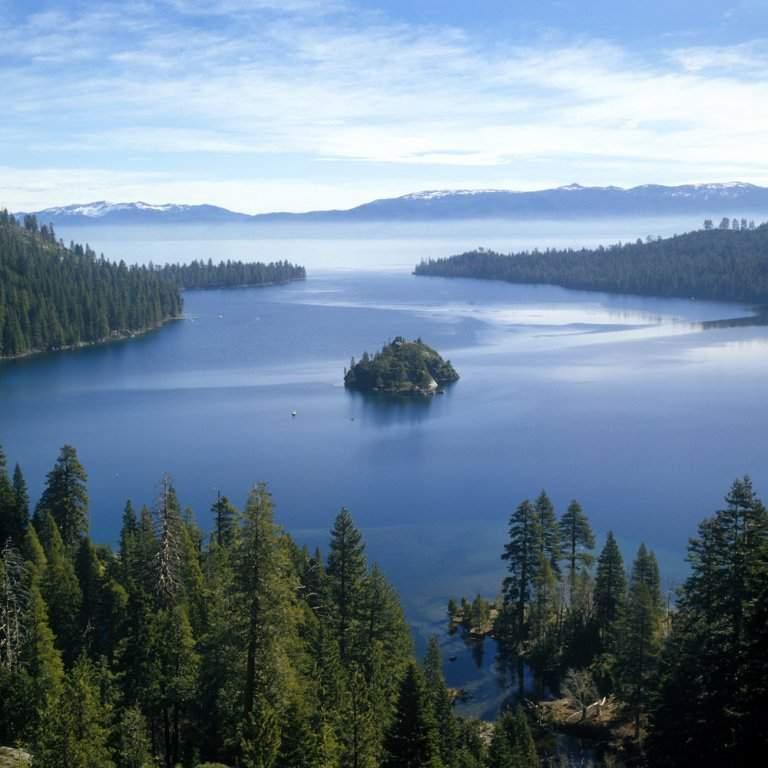 lake-viewshutterstock2_80533540