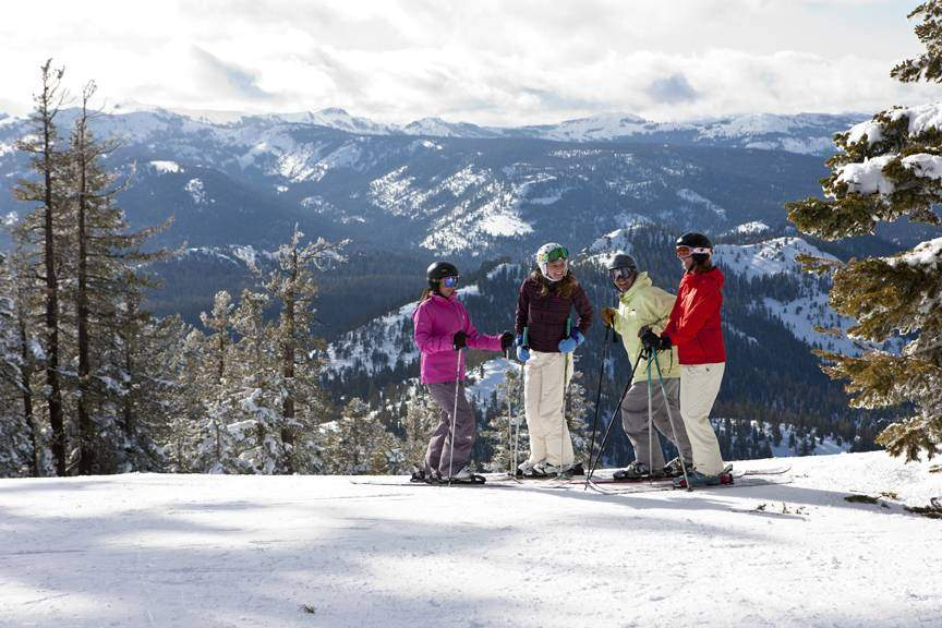 skiing_groomed_stopped_0601_Affleck_1011 web